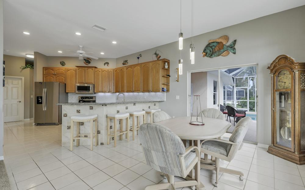 2001 SW 45th Ter, Cape Coral - Home For Sale 1293103136