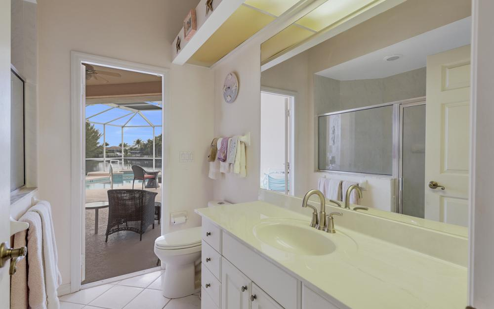 2001 SW 45th Ter, Cape Coral - Home For Sale 1243435598
