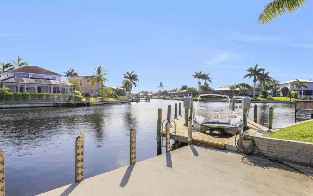 2001 SW 45th Ter, Cape Coral - Home For Sale 2048265866