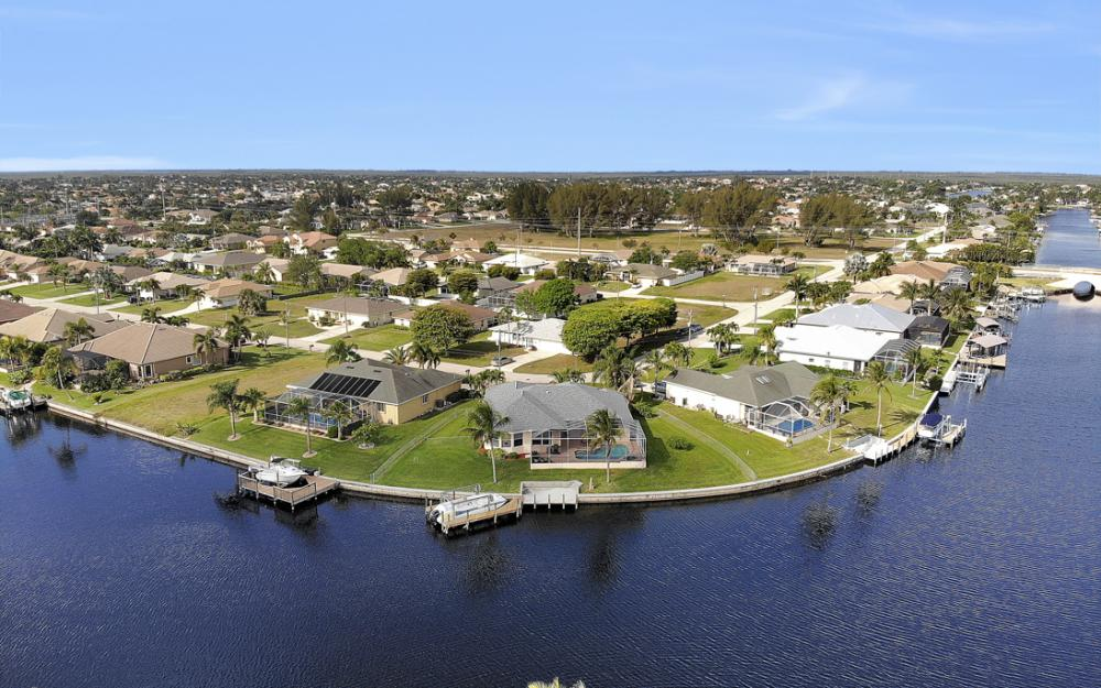 2001 SW 45th Ter, Cape Coral - Home For Sale 394281497
