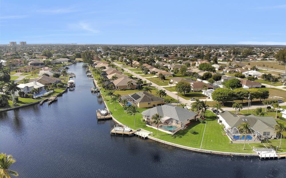 2001 SW 45th Ter, Cape Coral - Home For Sale 1764925486