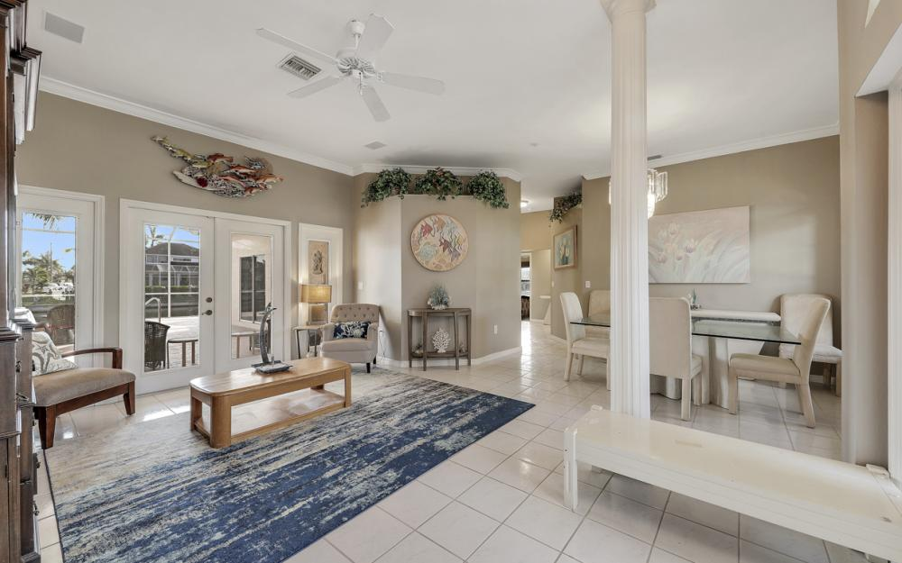 2001 SW 45th Ter, Cape Coral - Home For Sale 472511574