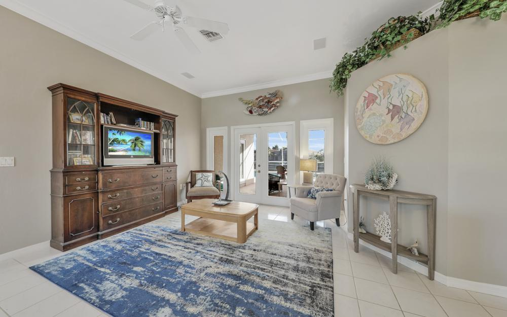 2001 SW 45th Ter, Cape Coral - Home For Sale 377701341