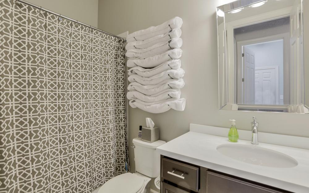 9279 Fieldstone Ln, Naples - Home For Sale 712644448