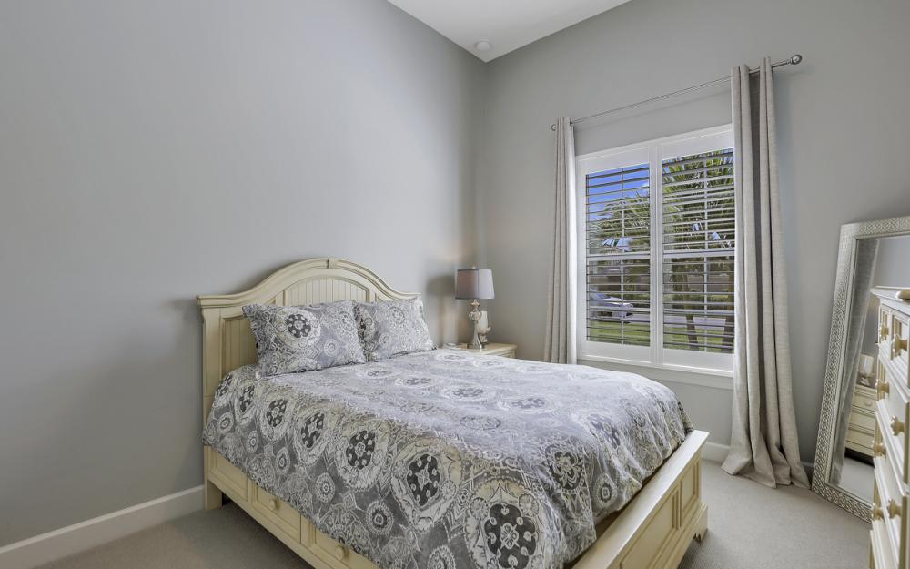 9279 Fieldstone Ln, Naples - Home For Sale 352103074