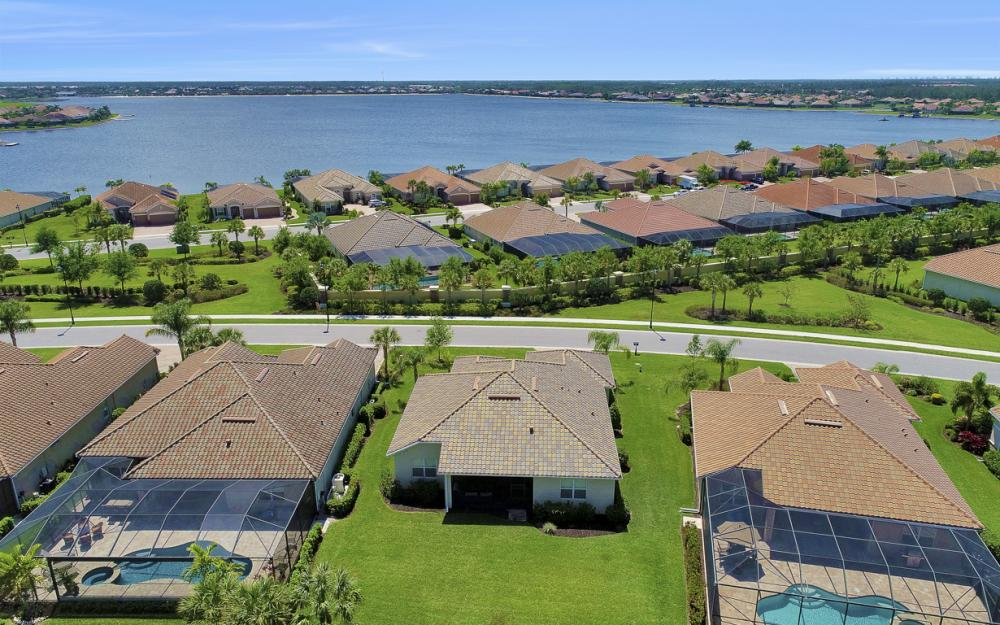9279 Fieldstone Ln, Naples - Home For Sale 597928604