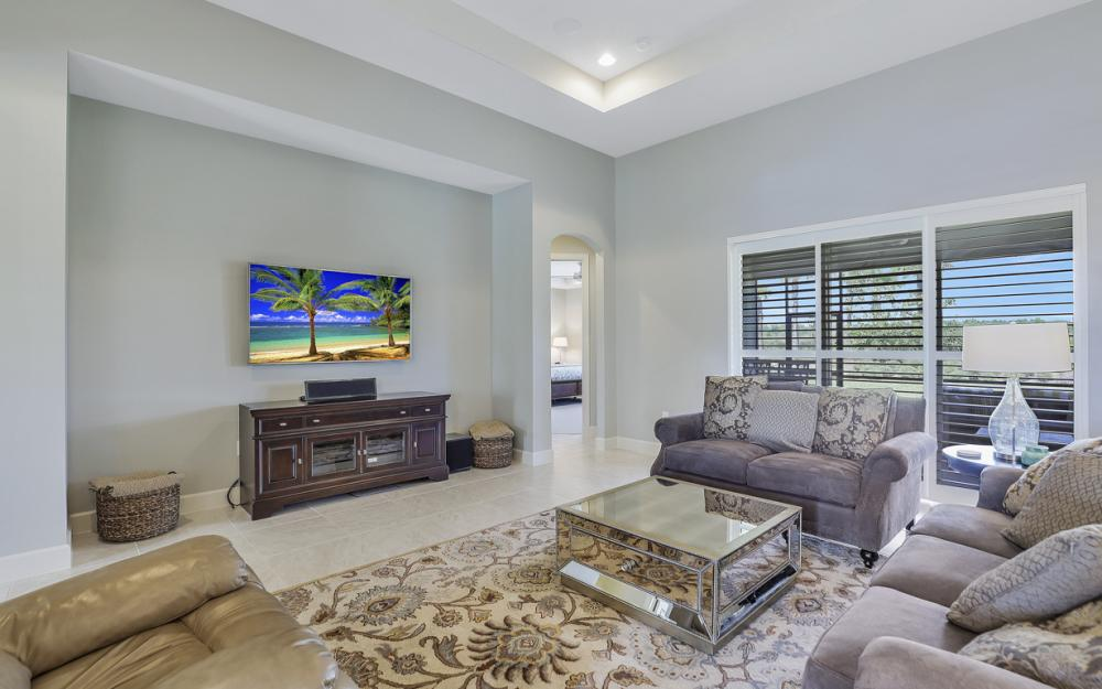 9279 Fieldstone Ln, Naples - Home For Sale 1229660059