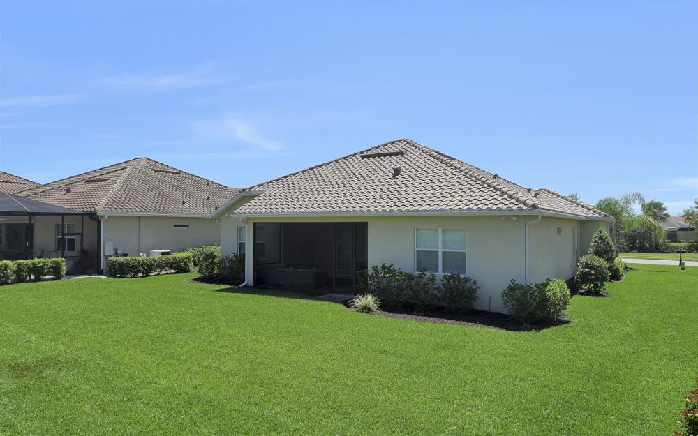 9279 Fieldstone Ln, Naples - Home For Sale 371407456