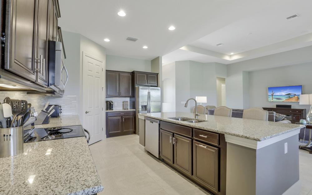 9279 Fieldstone Ln, Naples - Home For Sale 1830112777
