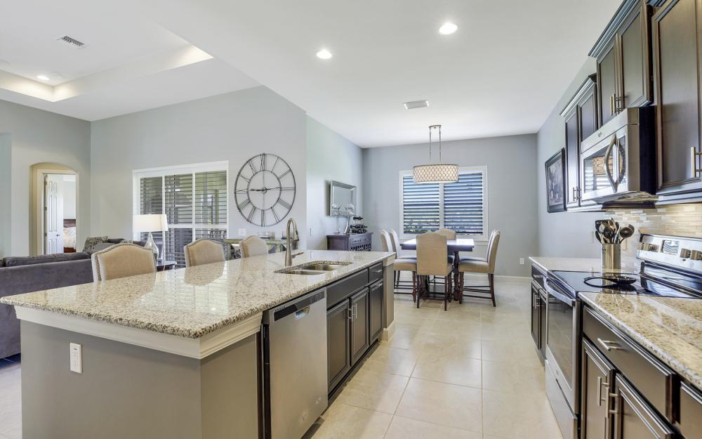 9279 Fieldstone Ln, Naples - Home For Sale 113593614