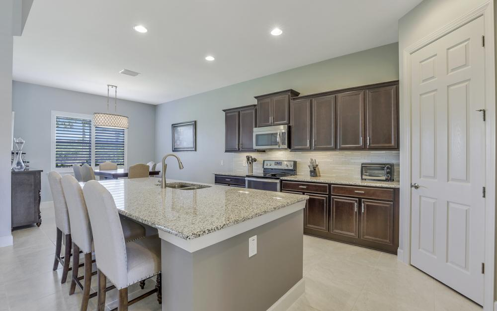 9279 Fieldstone Ln, Naples - Home For Sale 438125033