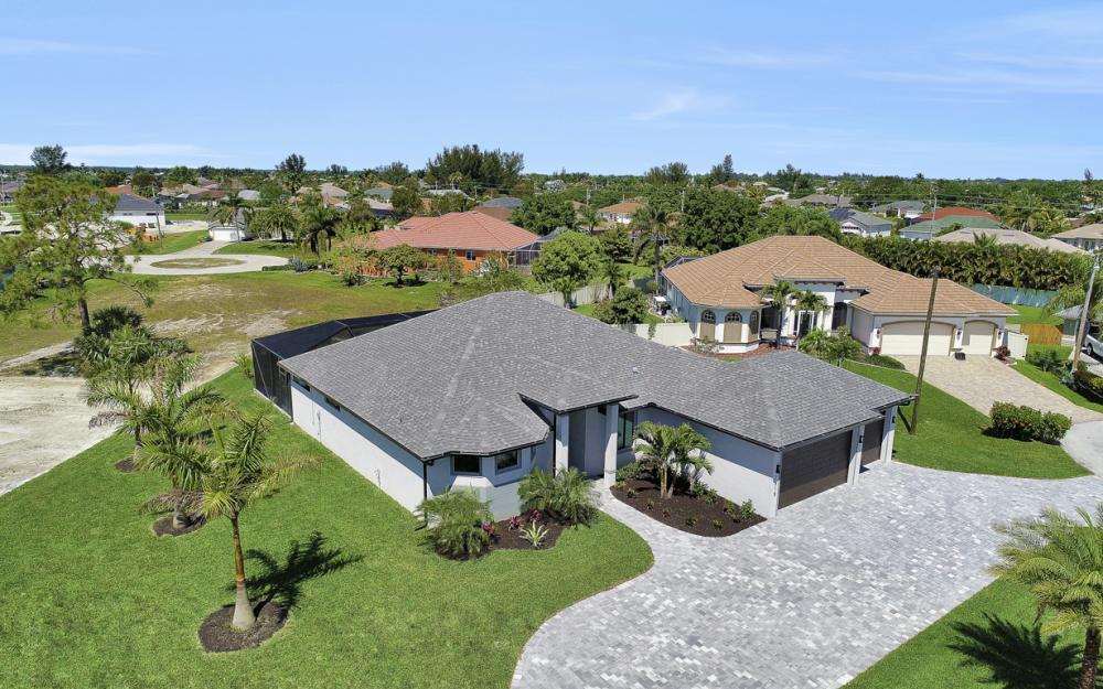 2515 Gleason Pkwy, Cape Coral - Home For Sale 571058046