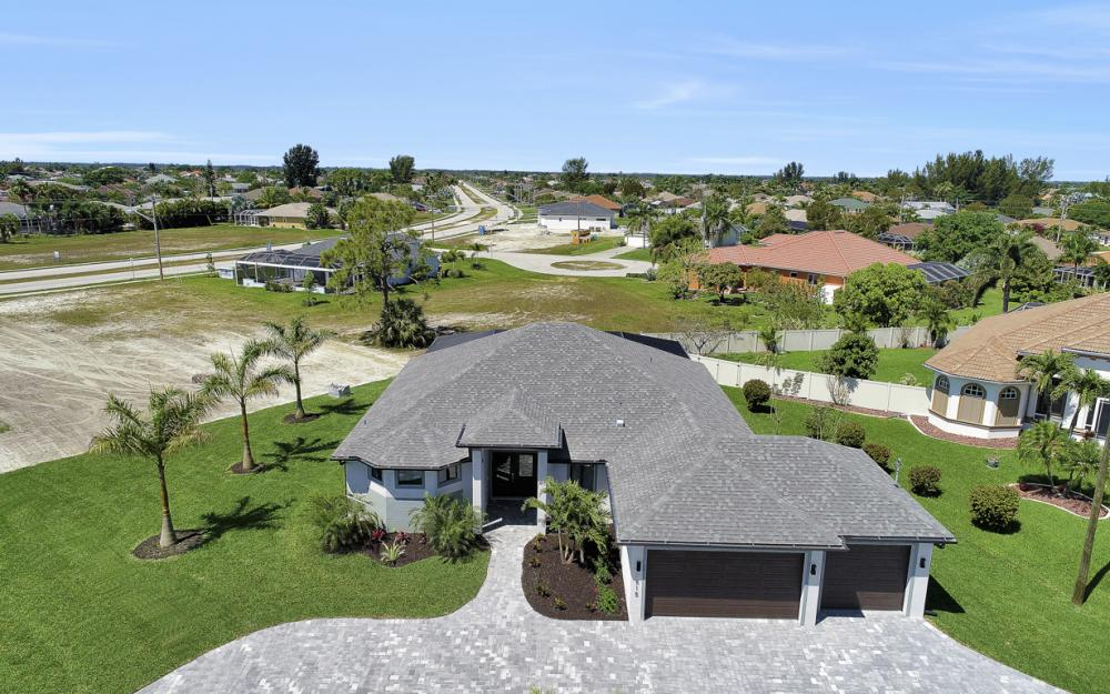 2515 Gleason Pkwy, Cape Coral - Home For Sale 1961880074