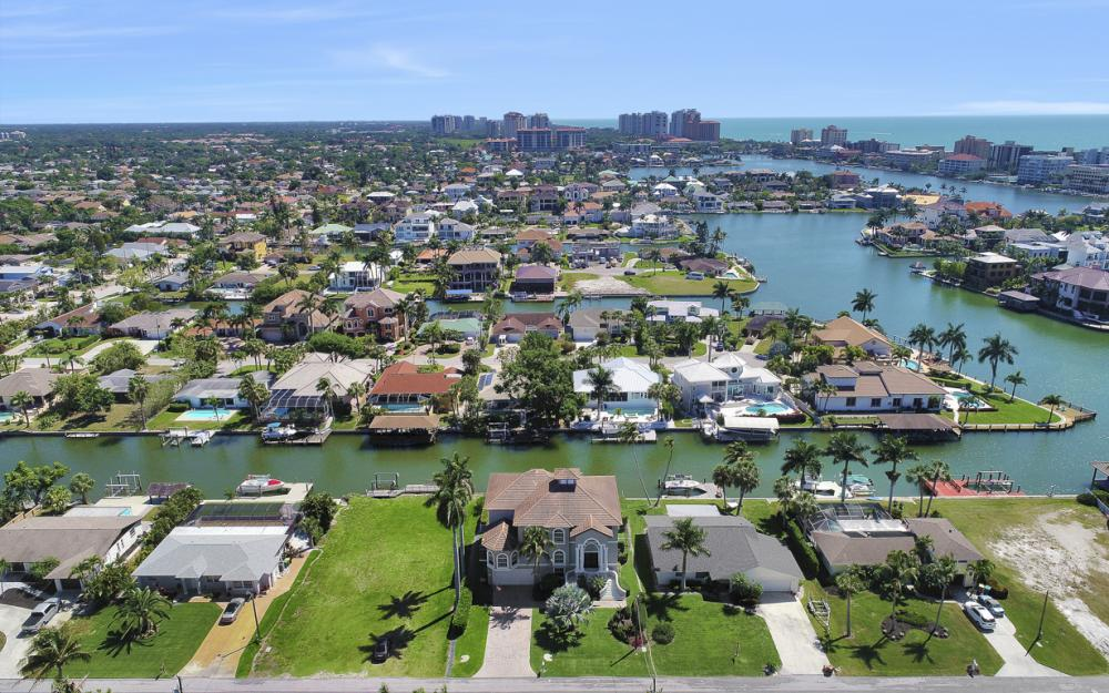 390 Seabee Ave, Naples - Home For Sale 760124792