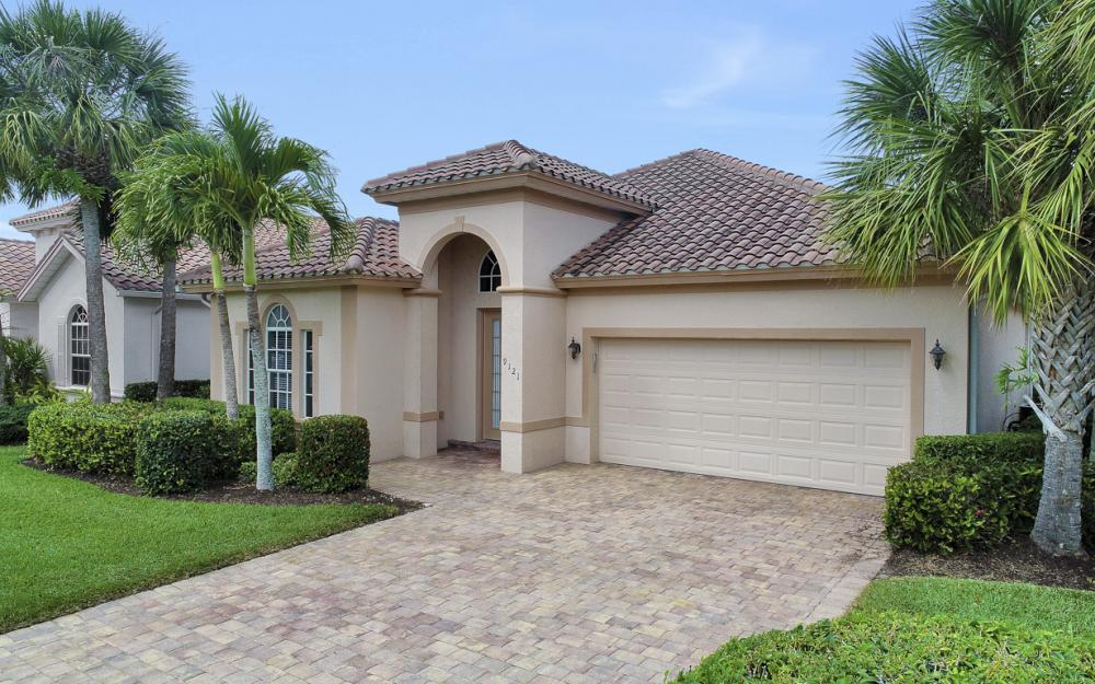9121 Quartz Ln, Naples - Home For Sale 440986852