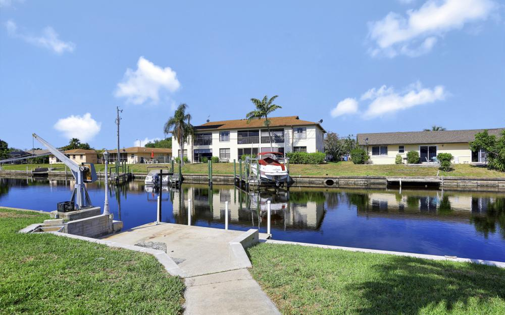 5142 York Ct, Cape Coral - Home For Sale 2111132583