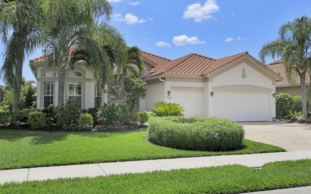 9360 Slate Ct, Naples - Home For Sale 187635228