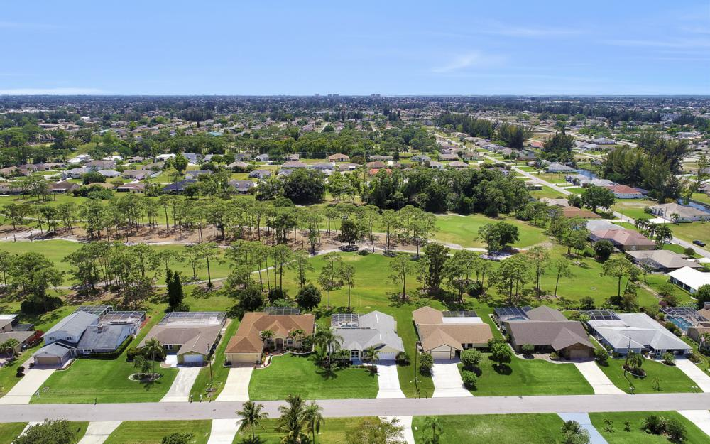 1402 SW 18th Terrace, Cape Coral - Home For Sale 72685026