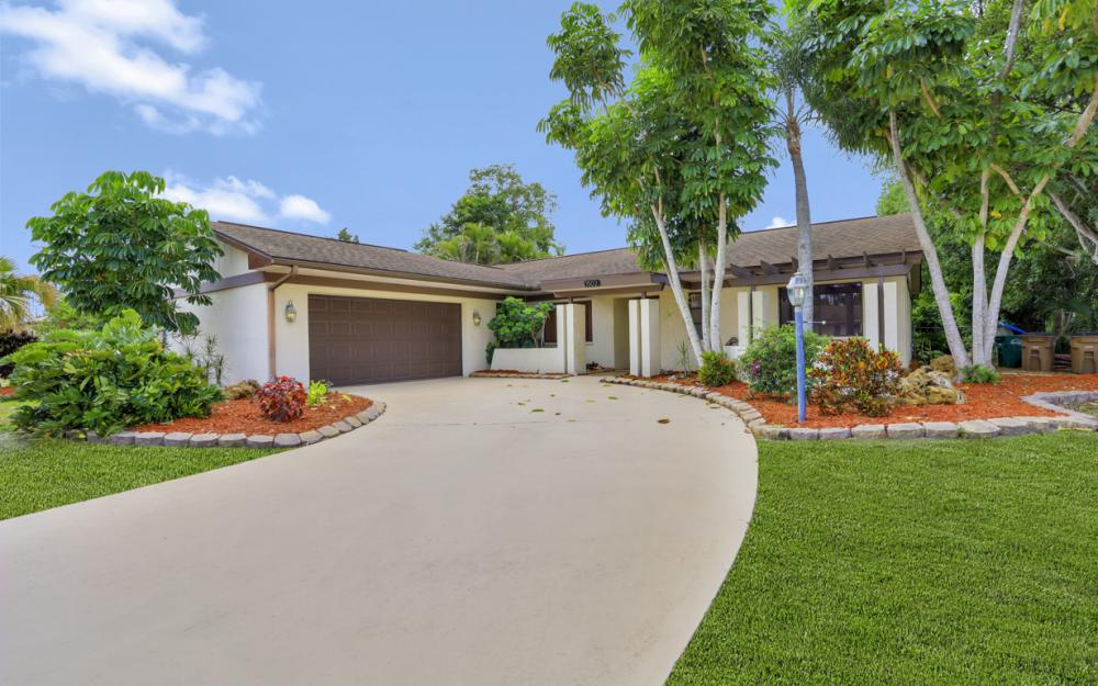 1502 SE 43rd St, Cape Coral - Home For Sale 379352090