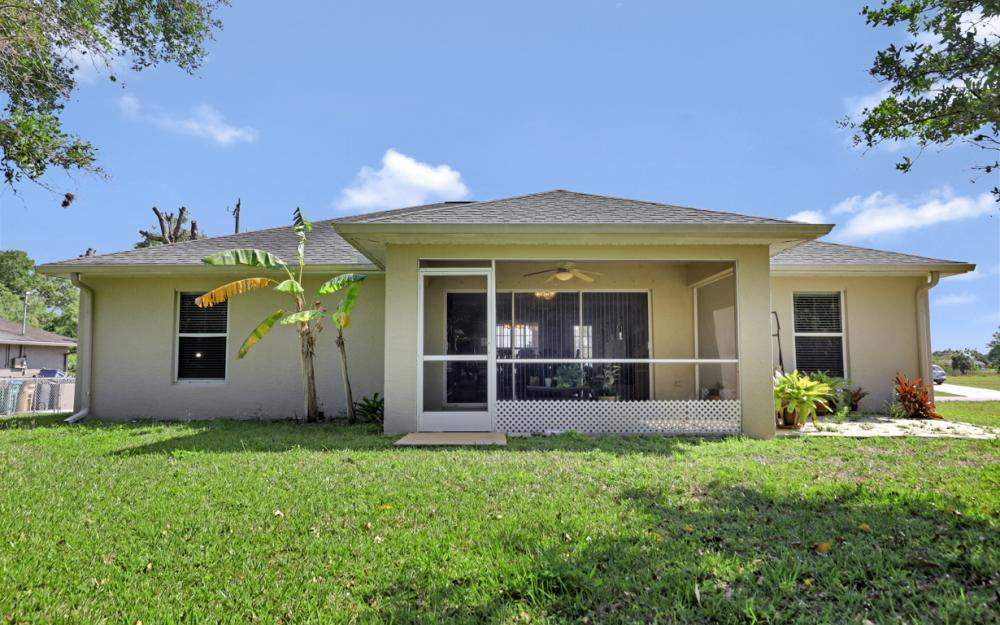 2305 NE 28th St, Cape Coral - Home For Sale 486451573