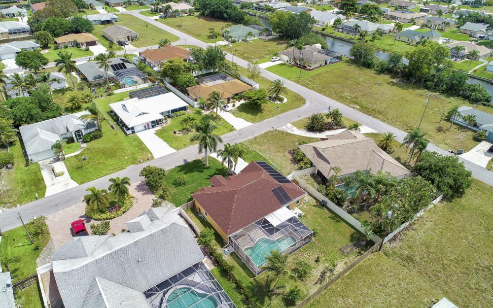 3818 SW 6th Pl Cape Coral - Home For Sale 36079739
