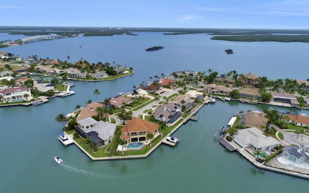 484 Pepperwood Ct, Marco Island - Home For Sale 1873811355