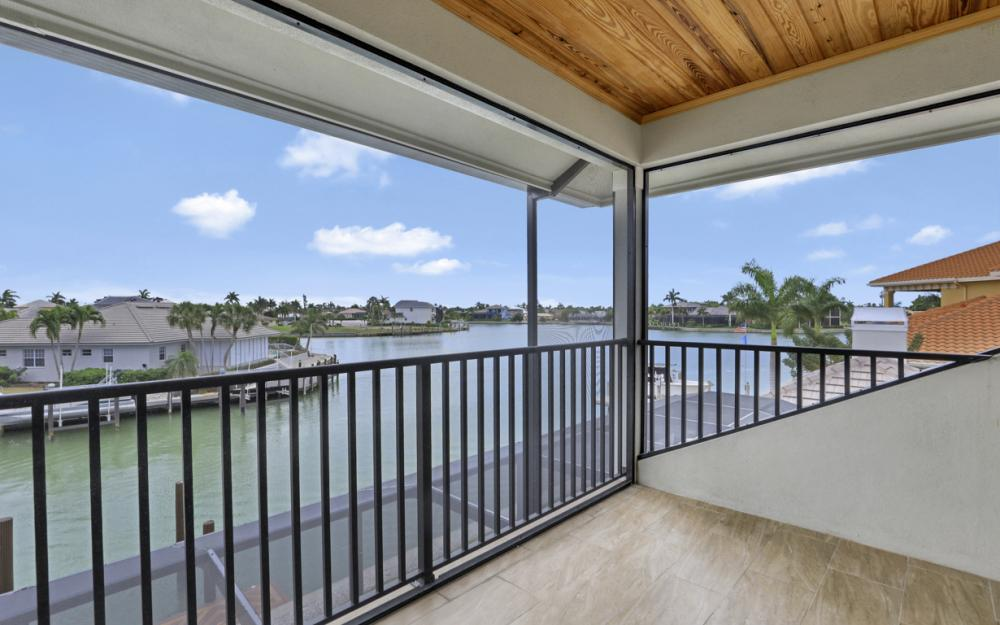 484 Pepperwood Ct, Marco Island - Home For Sale 462737865