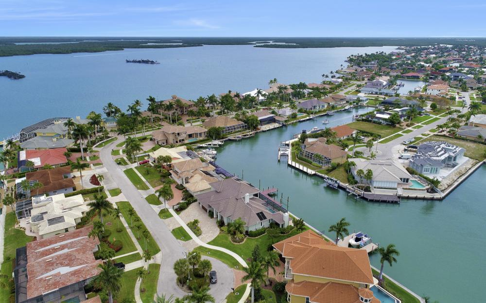 484 Pepperwood Ct, Marco Island - Home For Sale 306990518