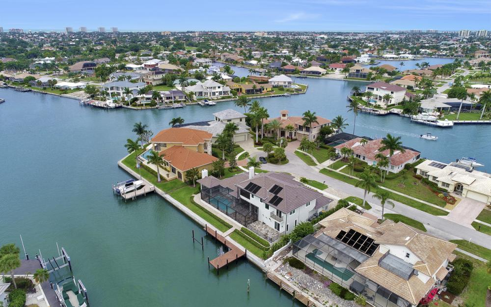 484 Pepperwood Ct, Marco Island - Home For Sale 1813319575