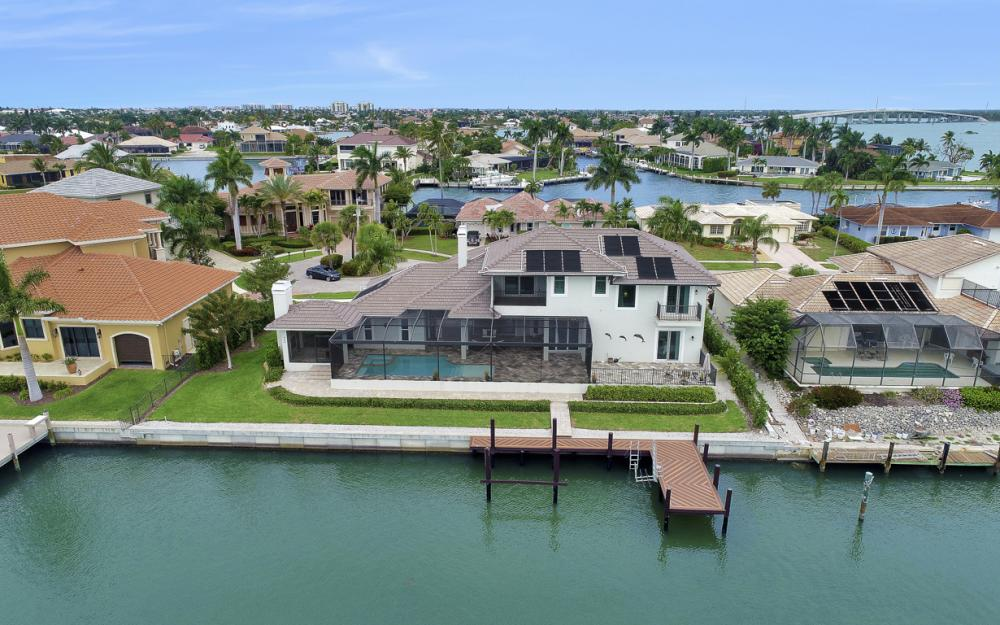 484 Pepperwood Ct, Marco Island - Home For Sale 889142320