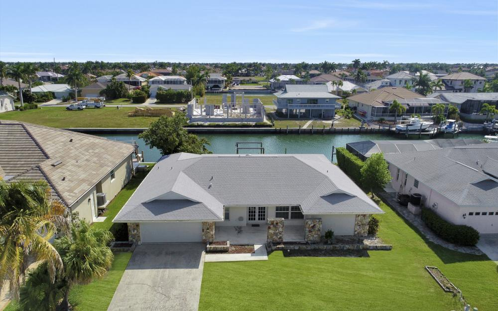 767 Amber Dr, Marco Island - Home For Sale 2034987945