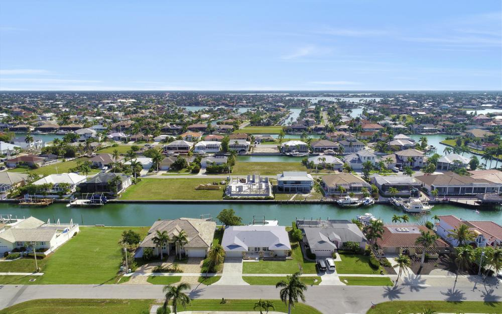767 Amber Dr, Marco Island - Home For Sale 2018017962