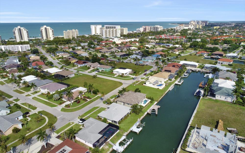 767 Amber Dr, Marco Island - Home For Sale 885418376