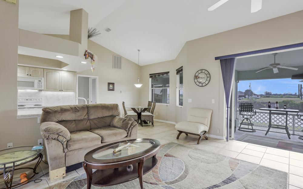 1047 NW 35th Ave Cape Coral - Home For Sale 404484912