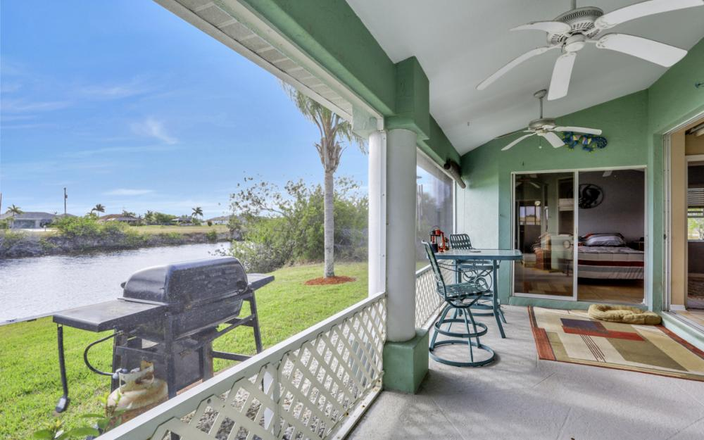 1047 NW 35th Ave Cape Coral - Home For Sale 231002520