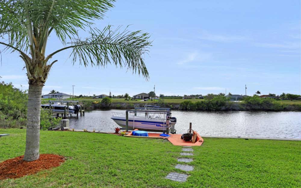 1047 NW 35th Ave Cape Coral - Home For Sale 1776292852