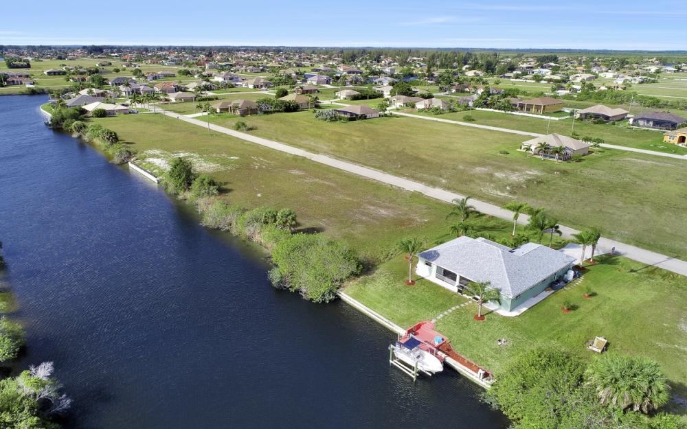 1047 NW 35th Ave Cape Coral - Home For Sale 1604255289