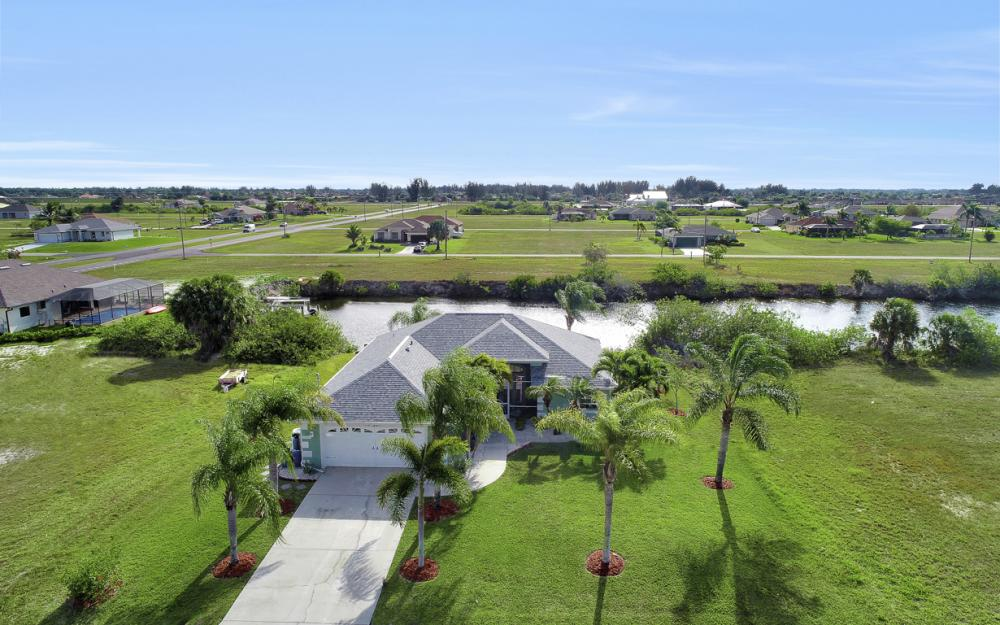 1047 NW 35th Ave Cape Coral - Home For Sale 626291043