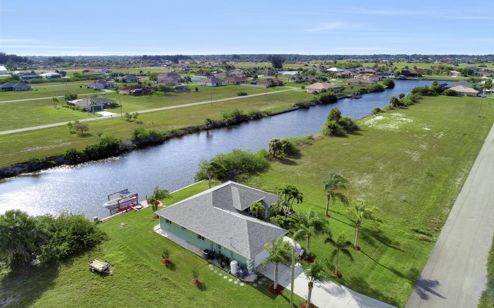 1047 NW 35th Ave Cape Coral - Home For Sale 1625487305