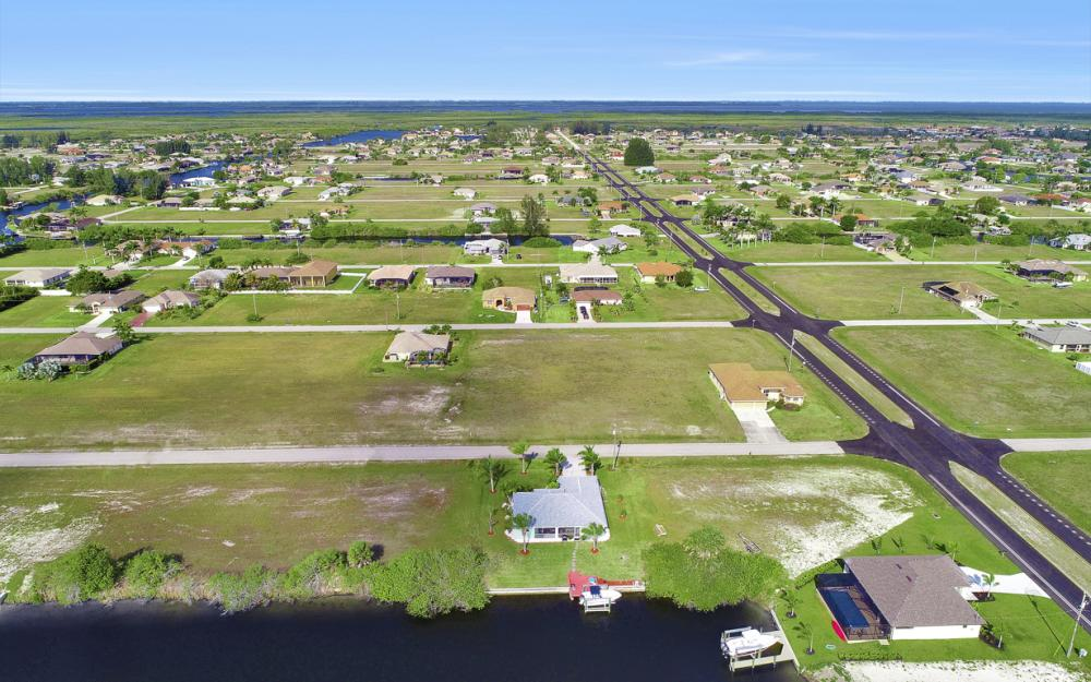 1047 NW 35th Ave Cape Coral - Home For Sale 1852936038