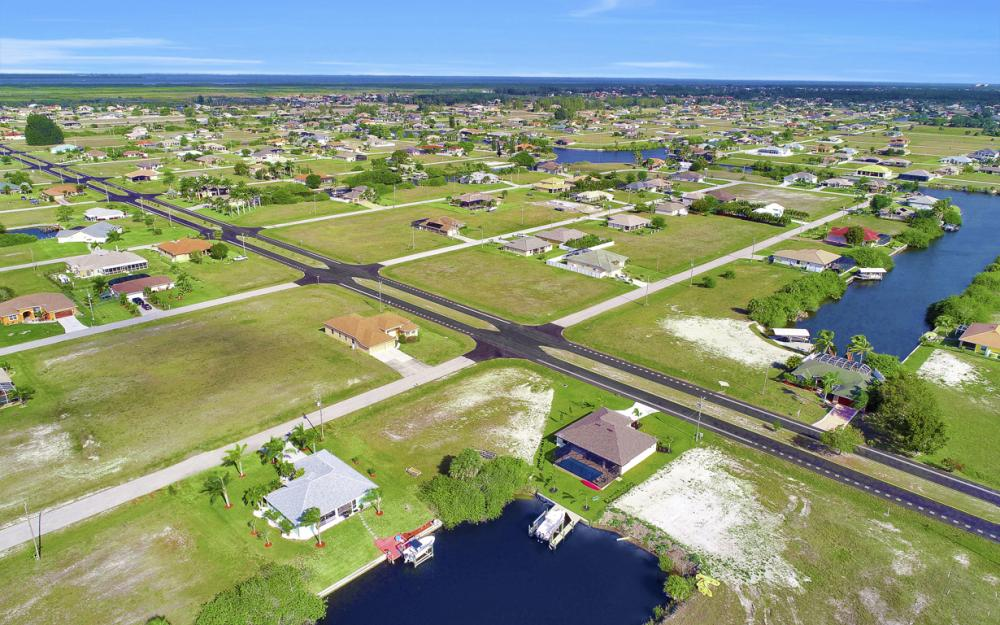 1047 NW 35th Ave Cape Coral - Home For Sale 971865762