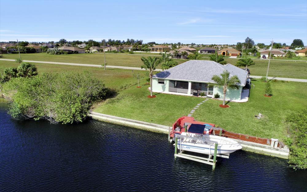 1047 NW 35th Ave Cape Coral - Home For Sale 170067296