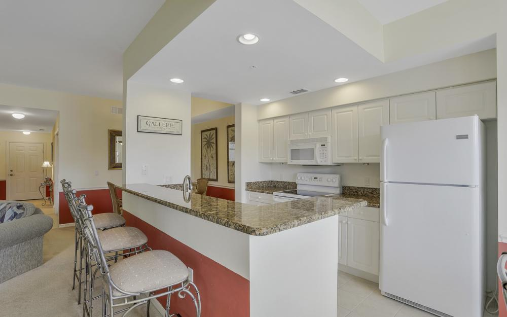 16675 Lake Circle Dr #1018, Fort Myers - Condo For Sale 1045027601