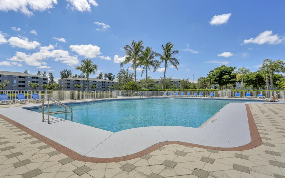 16675 Lake Circle Dr #1018, Fort Myers - Condo For Sale 2091457773