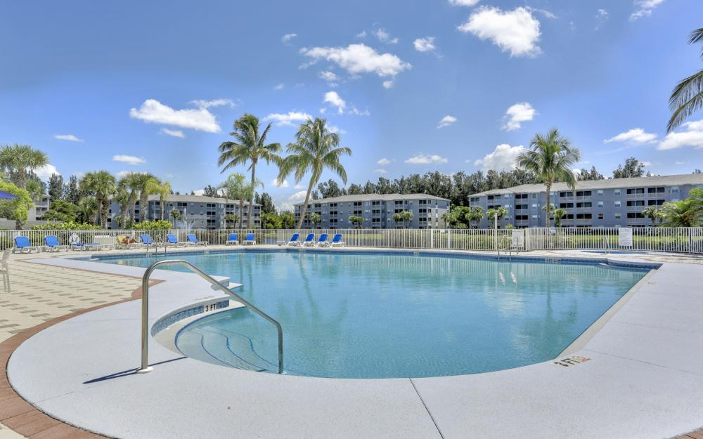16675 Lake Circle Dr #1018, Fort Myers - Condo For Sale 2061164481