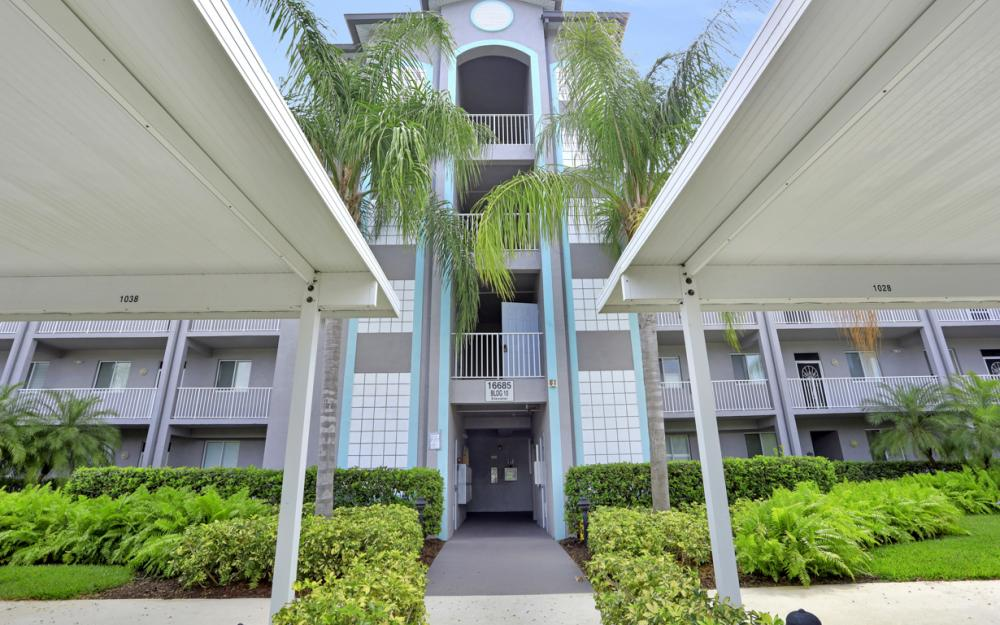 16675 Lake Circle Dr #1018, Fort Myers - Condo For Sale 1098006954