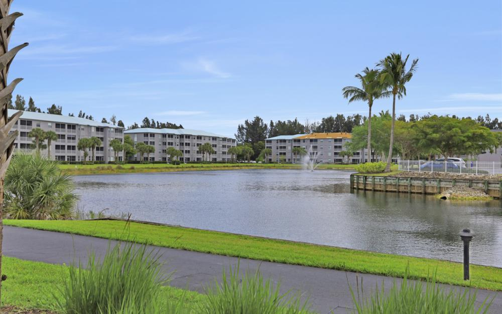 16575 Lake Circle Dr #1142, Fort Myers - Condo For Sale 455807469