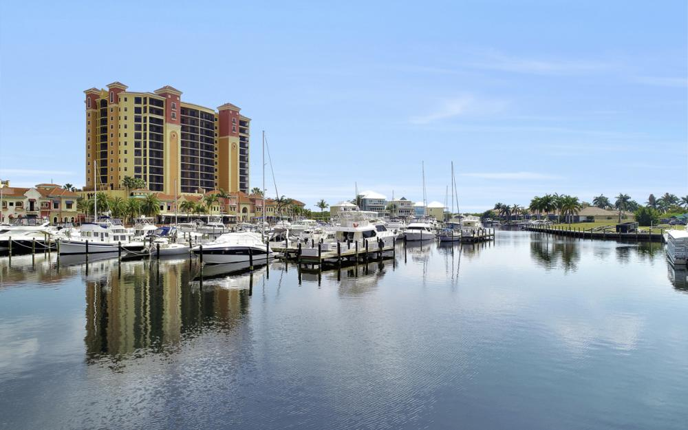 5704 Cape Harbour Dr #106, Cape Coral - Condo For Sale 832152444