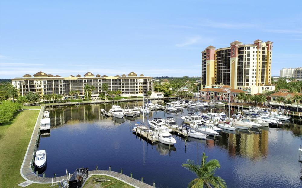 5704 Cape Harbour Dr #106, Cape Coral - Condo For Sale 1081080737