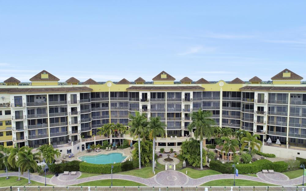5704 Cape Harbour Dr #106, Cape Coral - Condo For Sale 1309726374